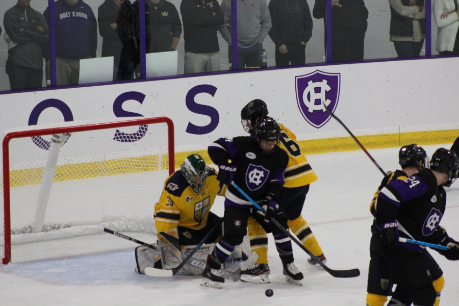 Merrimack beats Holy Cross 3-1